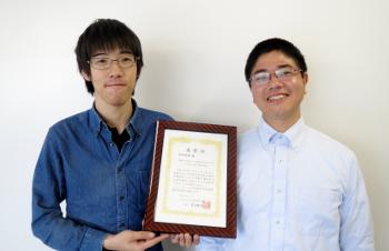 田中祐貴さん(左)と宮里心一教授