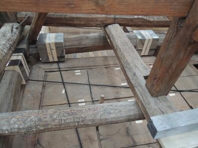 善光寺経蔵(きょうぞう)保存修理において「カボコーマ・ストランドロッド」が重要文化財の耐震工法において世界で初めて採用されています