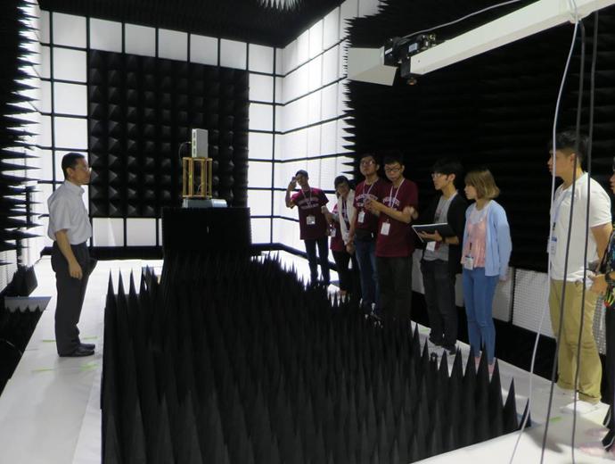 KIT研究所見学の様子