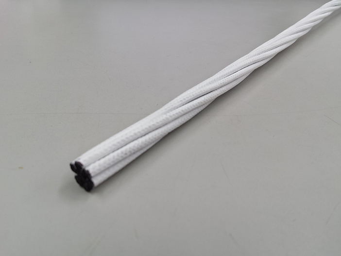 共同開発された炭素繊維複合材料『カボコーマ・ストランドロッド』