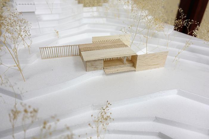 提案の一つ「卯辰山を登る道行に、この地の魅力に対する気づきを与える小さな建築 (フォリー)を置く」