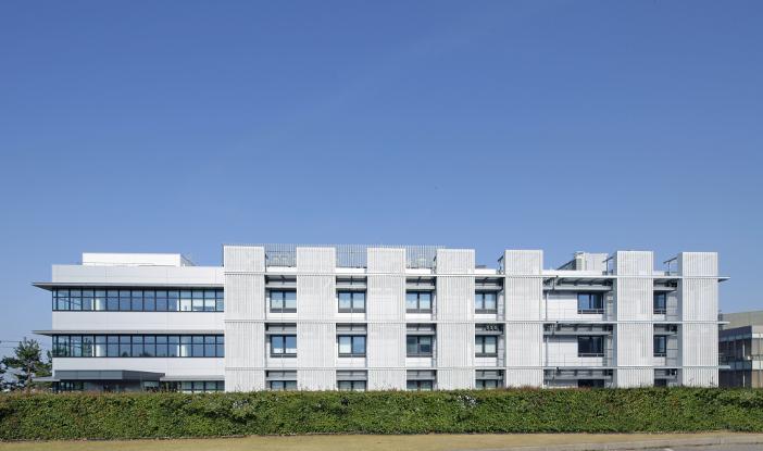 複合材料の製品化を目指す金沢工業大学 革新複合材料研究開発センター(ICC)