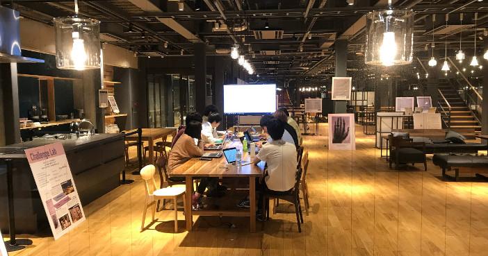 MIT Media Labをヒントに開設されたChallenge Lab。社会性のある課題に専門を超えて学生が集まり、研究に取り組む