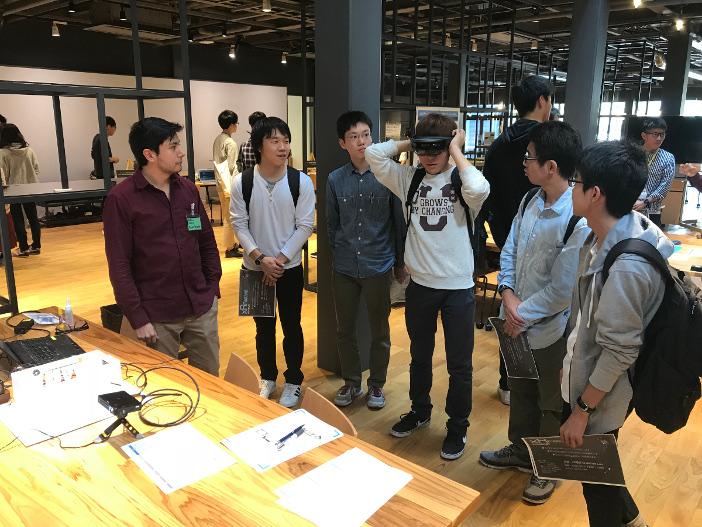 xRに関する研究に取り組む学生たちの技術交流会として開催された