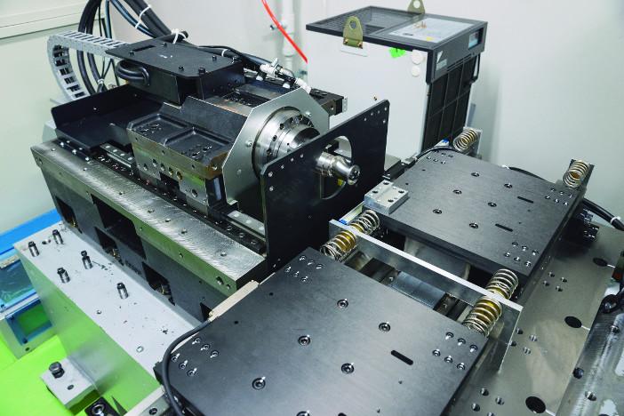5ナノメートル単位で、削る位置を制御する工作機械『NACS-Turning』