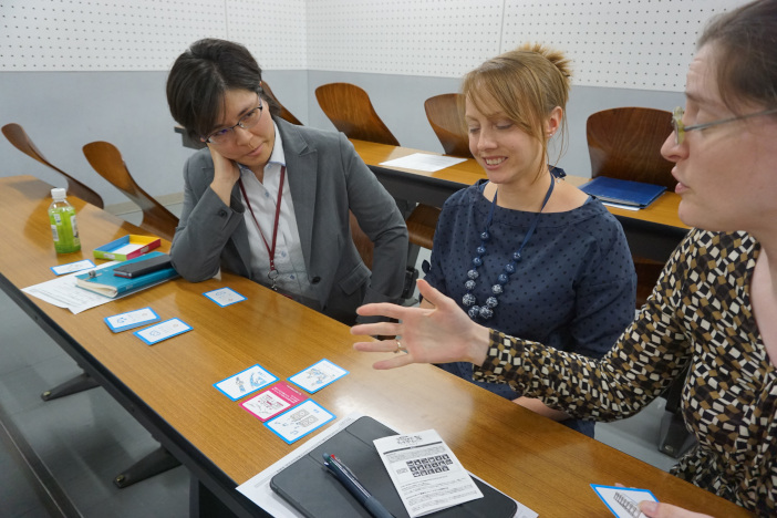 トレードオフ(課題)解決にむけリソースカードでアイデアを出し合う