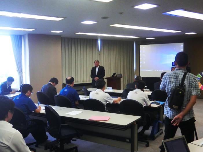 山田市長はアイデアを行政に融合させたいと講評