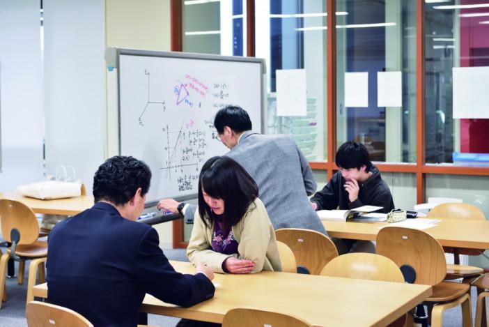 道具として活用する「数理」の理解を深める場所として数理工教育研究センターがある