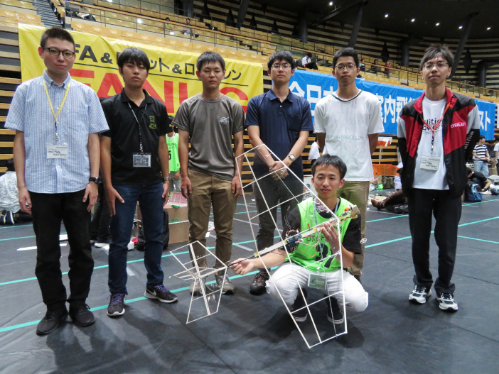 小型無人飛行機プロジェクトのメンバー