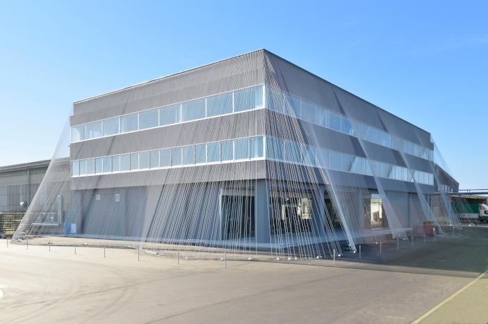 (施工例)世界的建築家 隈研吾氏が設計した「fa-bo」