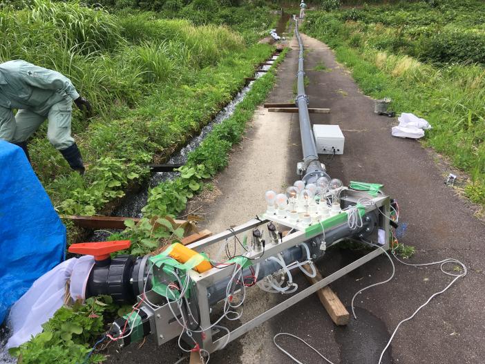 開発されたナノ水力発電システム。従来の小水力発電装置では設置しにくかった箇所でも容易に設置可能