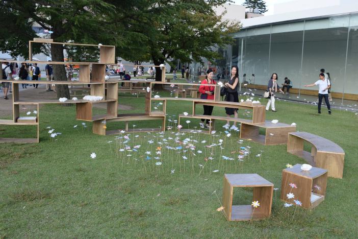 図1 金沢21世紀美術館に設置された空間オブジェ