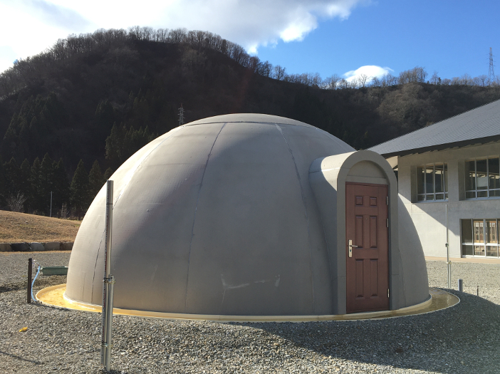 白山麓キャンパスに設置された研究用ドームハウス