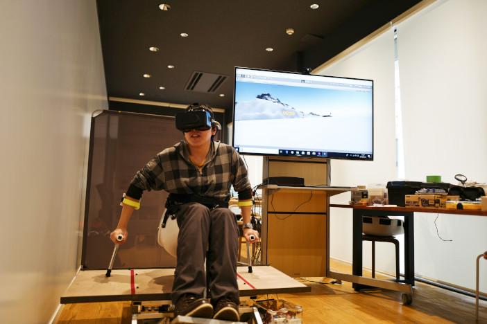仮想空間と実空間が同期。誰もが臨場感あふれるチェアスキーを楽しめることが評価された