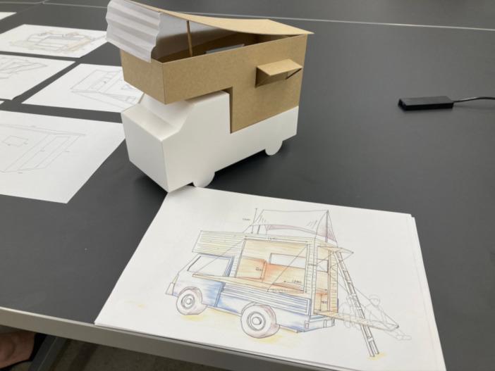 建築学部宮下研究室が共同開発に取り組む「モバイルハウス(動くホテル)」