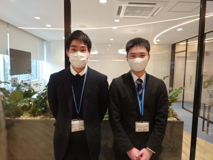 4ヶ月間、社員としてNTT西日本グループのデータ分析業務に従事した田中祐貴さん(左)と細井勇希さん(右)