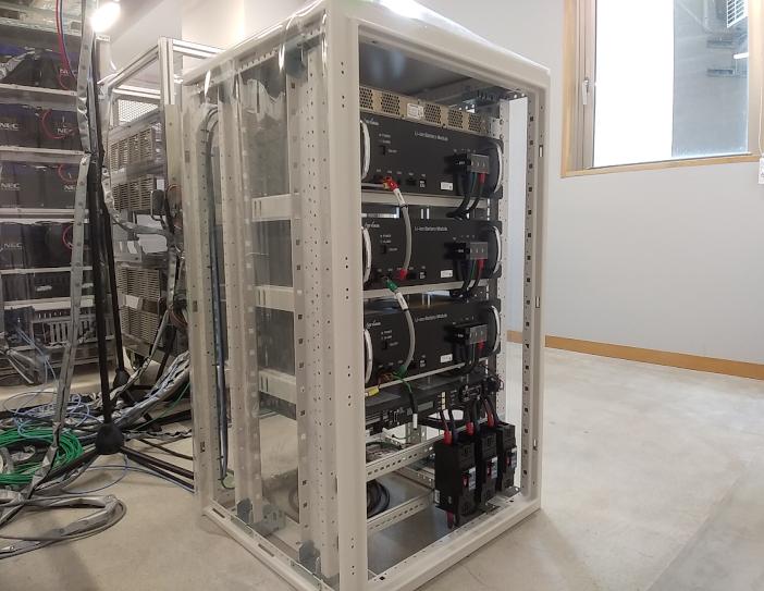 増設したリチウムイオン蓄電池