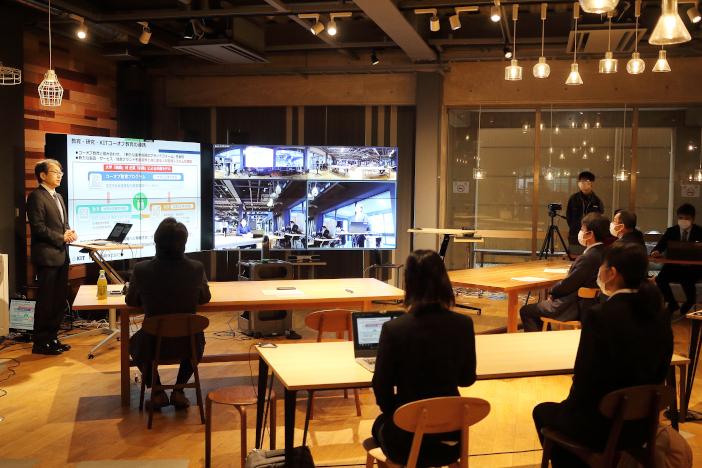Challenge Labの「スムーススペース」を利用して発表会の中継を行った