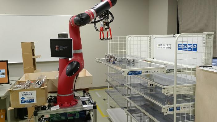 出村研究室のSawyerと次世代スライド棚